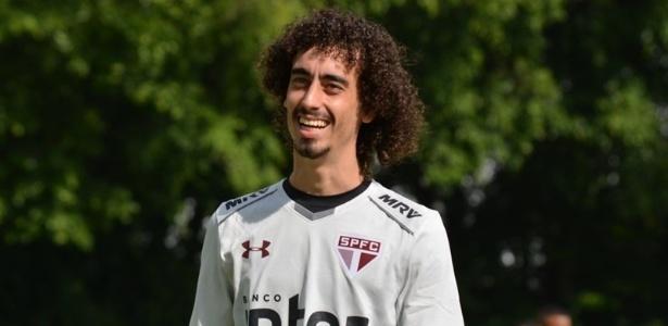 Valdívia foi liberado para treinar neste sábado e deve reforçar a equipe na Copa Sul-Americana
