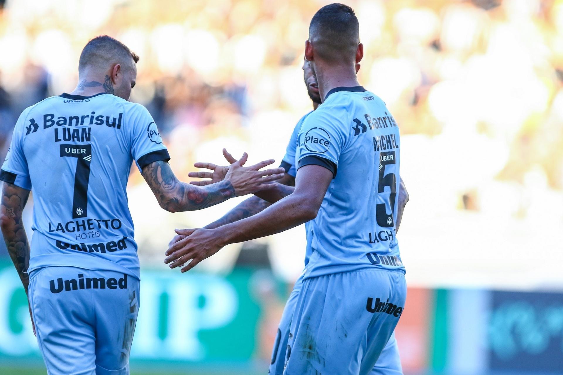 Grêmio lembra título 33c7bb99f4b15