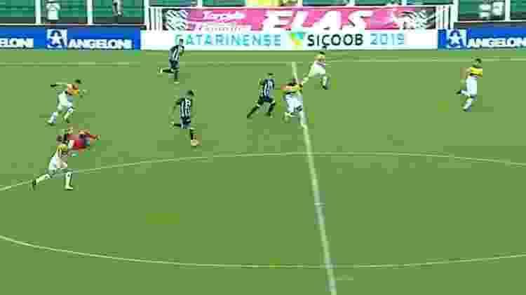 Árbitro no Campeonato catarinense  - Reprodução/TV Globo - Reprodução/TV Globo