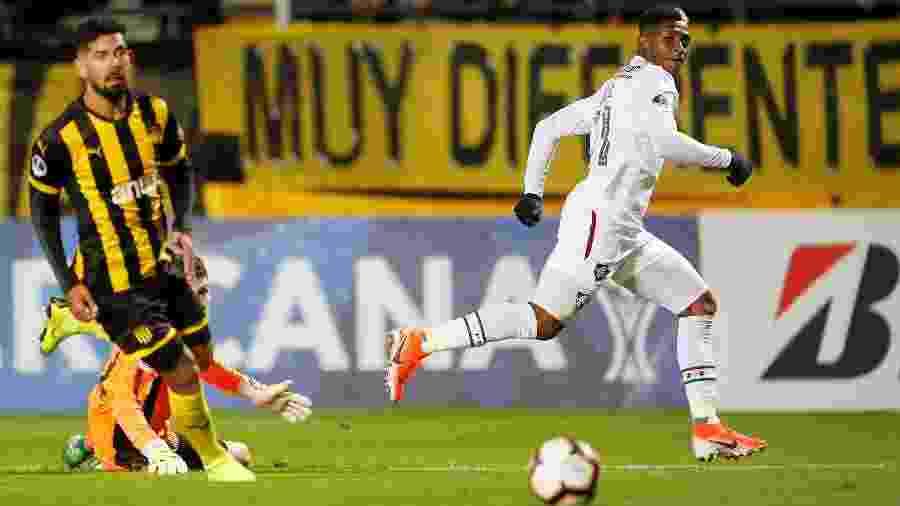 Yony comemora segundo gol do Fluminense contra o Peñarol nesta quarta-feira, no Uruguai - REUTERS/Andres Stapff
