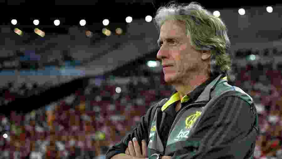 Jorge Jesus deverá realizar algumas mudanças na equipe para enfrentar o Ceará neste domingo - Thiago Ribeiro/AGIF