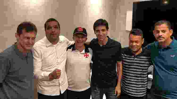 Leven Siano (de boné) com o deputado Cabo Daciolo e os ex-jogadores Sorato, Mauro Galvão, William e Valdir Bigode - Reprodução / Facebook