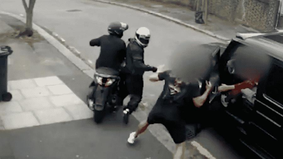 Sead Kolasinac e MesutOzil são assaltados em Londres - Reprodução/MetPolice