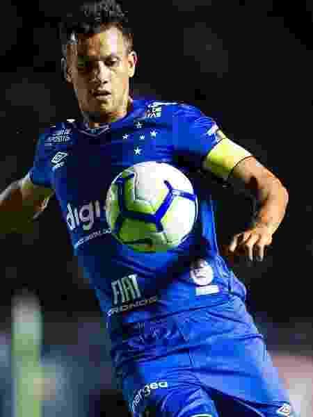 Henrique, volante do Cruzeiro - Bruno Haddad/Cruzeiro
