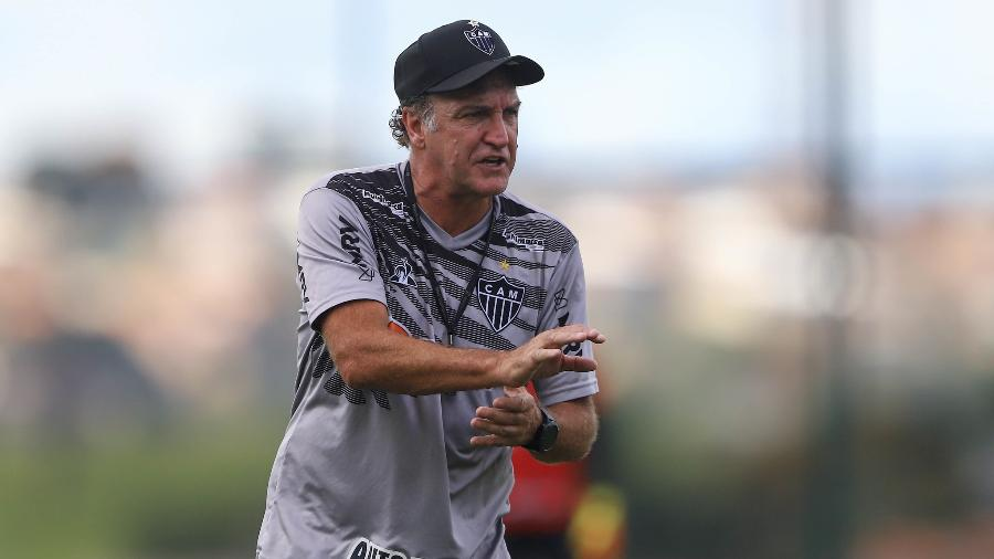 Cuca reclamou da pressão intensa e pediu paciência para implementar o seu trabalho - Pedro Souza/Atlético-MG