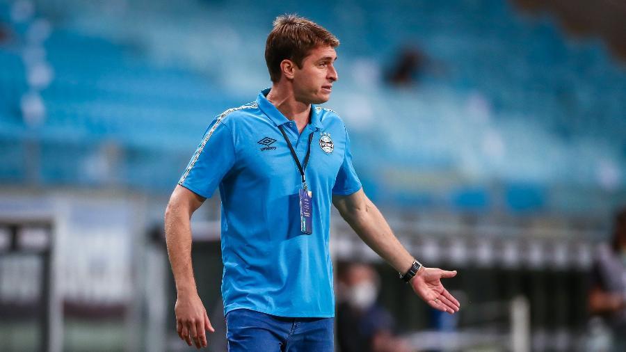 Thigo Gomes foi o treinador interino do Grêmio entre a saída de Renato e chegada de Tiago Nunes - Lucas Uebel/Grêmio FBPA