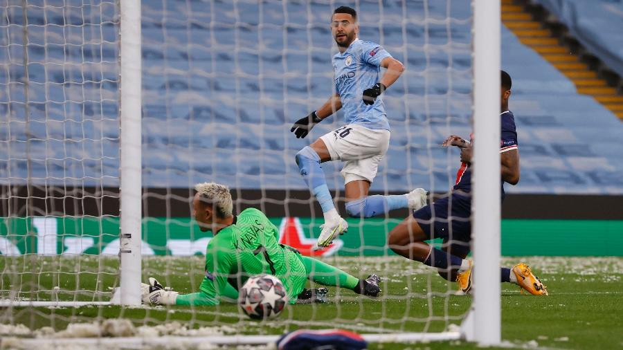"Soccer Football - Champions League - Semi Final Second Leg - Manchester City v Paris St Germain - Etihad Stadium, Manchester, Britain - May 4, 2021 Manchester City""s Riyad Mahrez scores their first goal REUTERS/Phil Noble - PHIL NOBLE/REUTERS"
