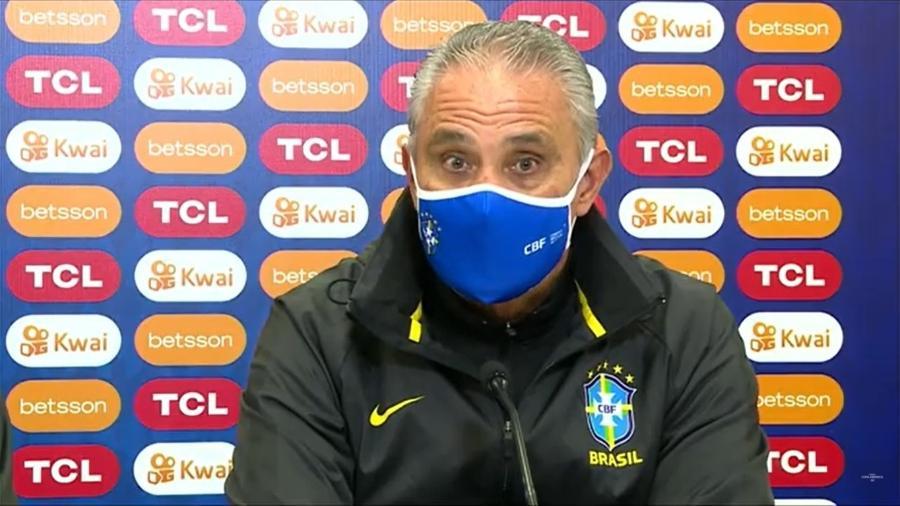 Tite durante entrevista coletiva da seleção brasileira na Granja Comary hoje (22), véspera da terceira rodada - Reprodução/CBF TV