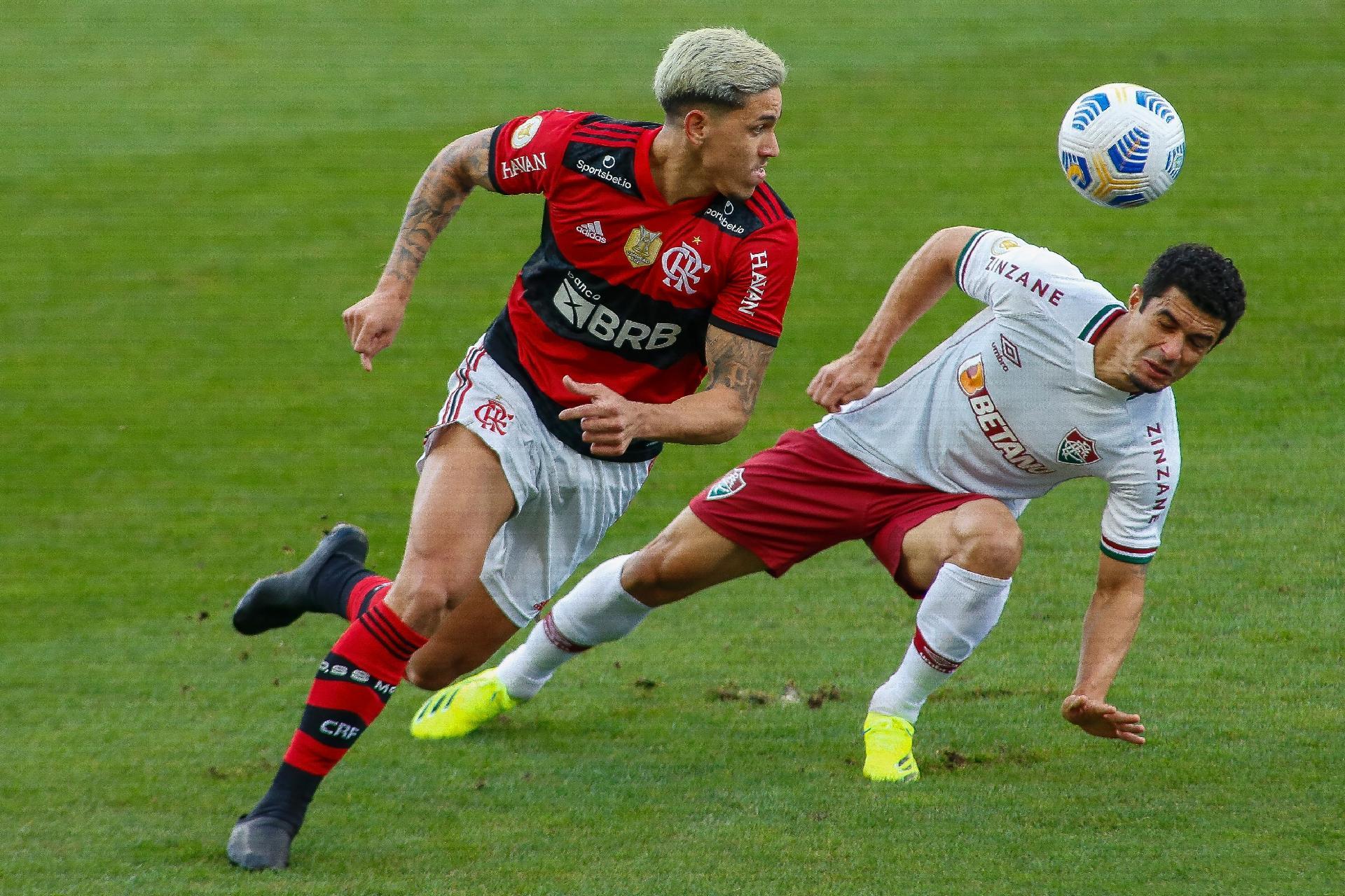Pedro e Egídio, durante a partida entre Flamengo e Fluminense