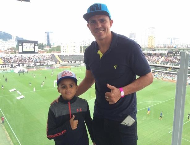Filho de Giovanni, o menino Giuliano, de 10 anos, jogará na categoria sub 11 do Santos