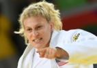 Vítima quando criança, bicampeã olímpica revela luta contra abuso infantil