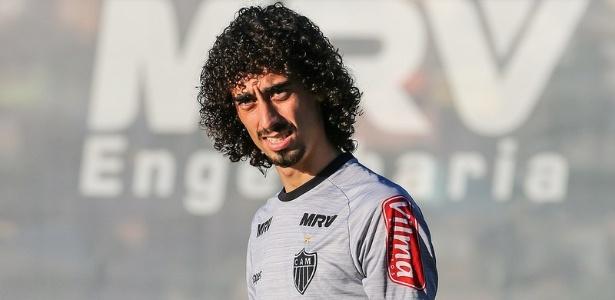 Valdívia deve fazer a estreia pela Atlético-MG contra o Palmeiras
