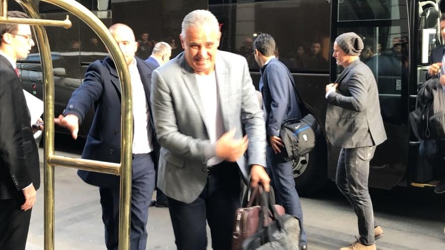 Seleção chega a Paris para período de treinos antes de enfrentar o Japão - Tite - Pedro Ivo de Almeida