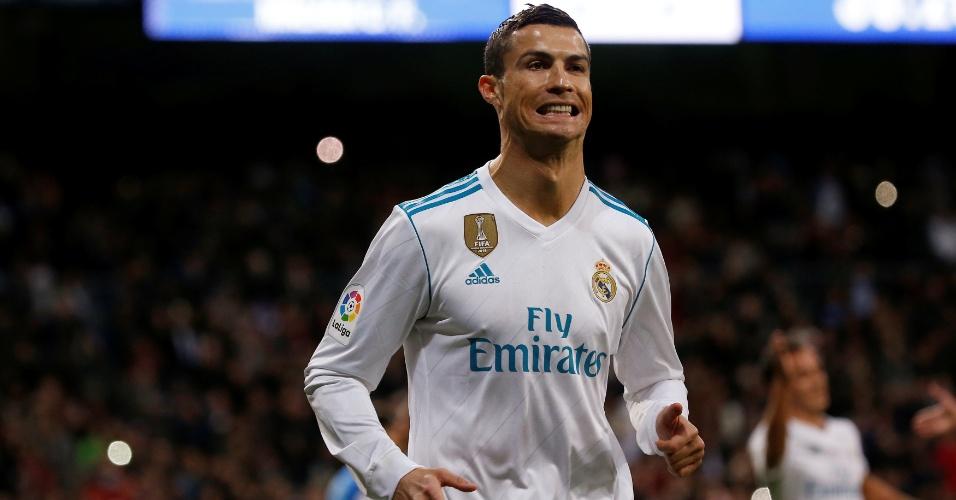Cristiano Ronaldo comemora o seu gol para o Real Madrid contra o Málaga