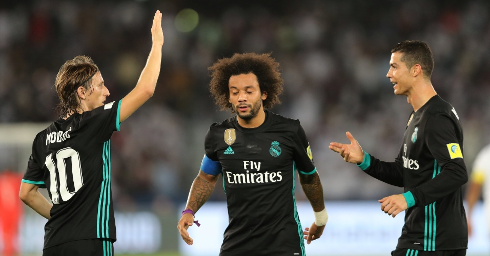 Modric, Marcelo e Cristiano Ronaldo comemoram o segundo gol do Real