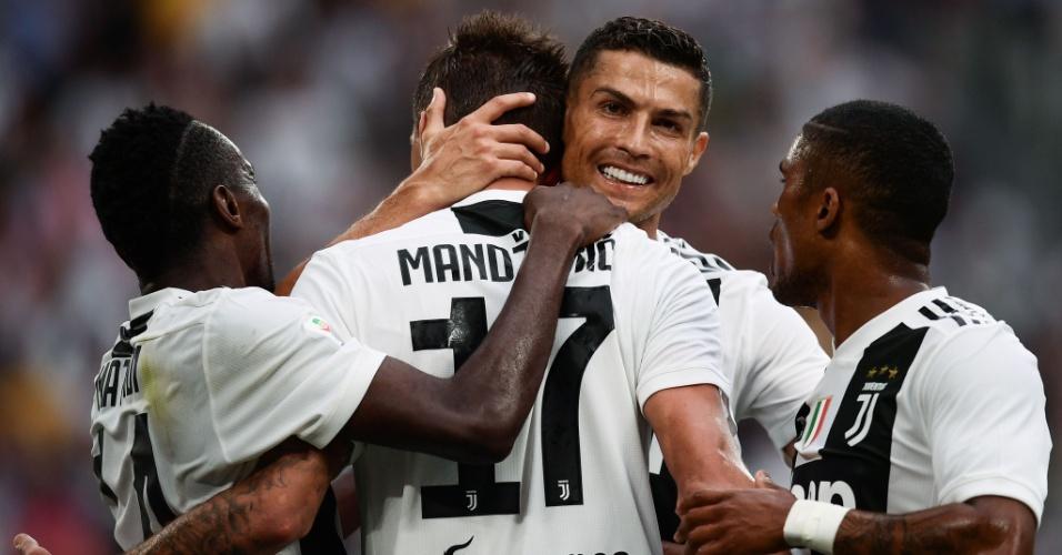 Cristiano Ronaldo conduziu a Juventus neste sábado
