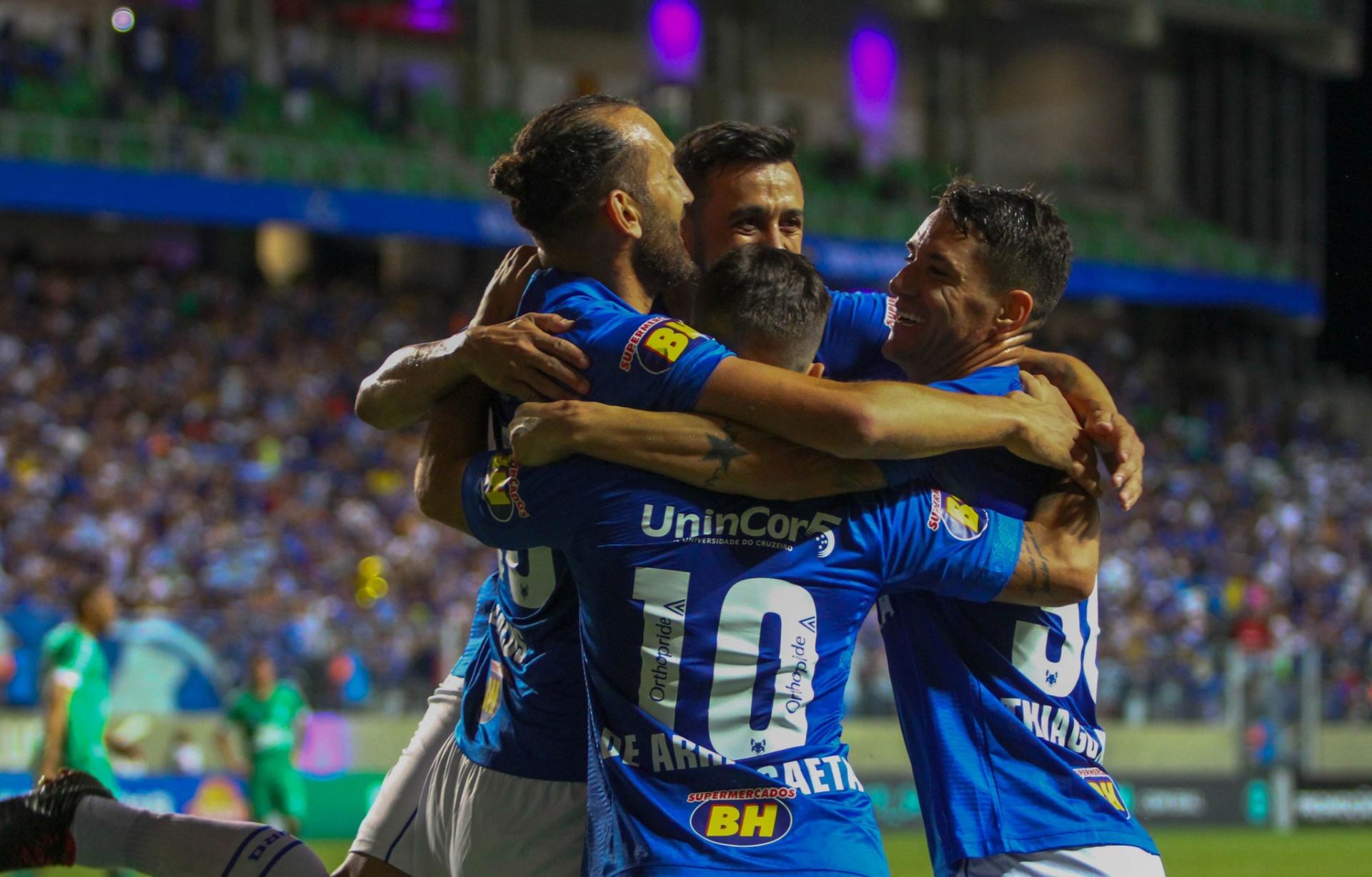 Cruzeiro não tira o pé e curte ressaca com vitória fácil sobre Chapecoense  - 21 10 2018 - UOL Esporte 1f573c57f3fbd