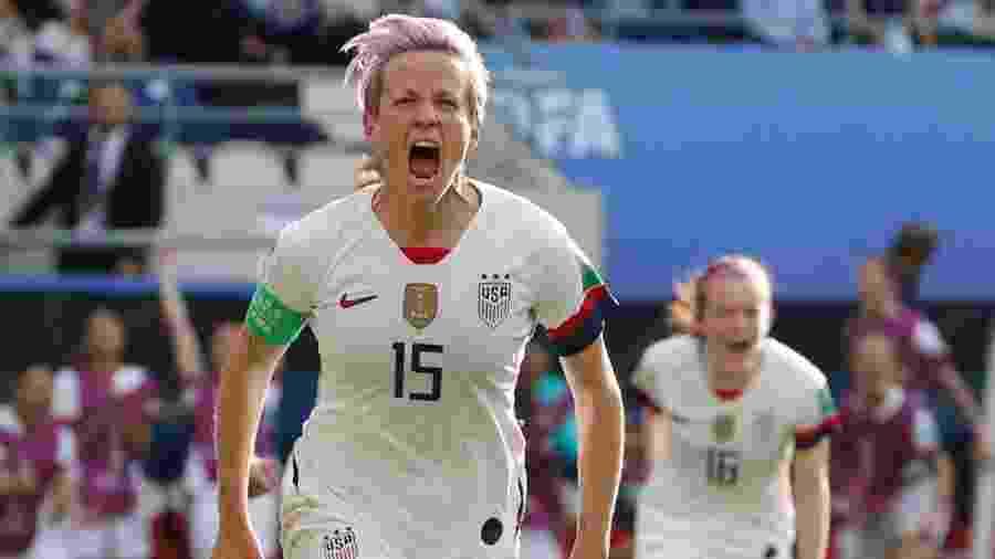 Rapinoe comemora gol marcado para os Estados Unidos - REUTERS/Bernadett Szabo