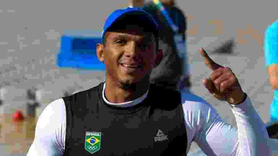 Isaquias Queiroz comemora título mundial de canoagem velocidade na categoria C1 1000m - Washington Alves/Exemplus/COB