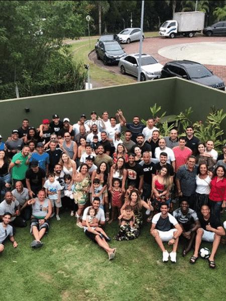 Jogadores e funcionários do Vasco fizeram uma confraternização - Reprodução Twitter