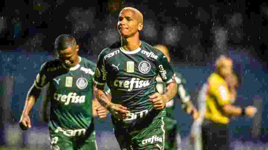 Deyverson comemora gol que abriu o placar na Ressacada - EDUARDO VALENTE/FRAMEPHOTO