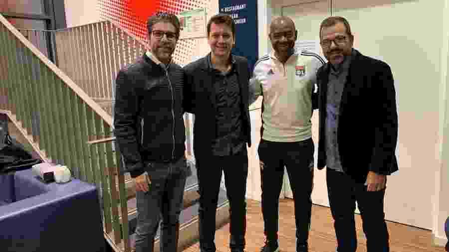 Enderson Moreira ao lado de Juninho Pernambucano, Caçapa e Francis Melo (seu agente) - Divulgação/Francis Melo Assessoria de Imprensa