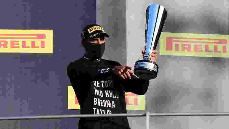 Lewis Hamilton celebra vitória no GP da Toscana de F1 - Pool/Getty Images