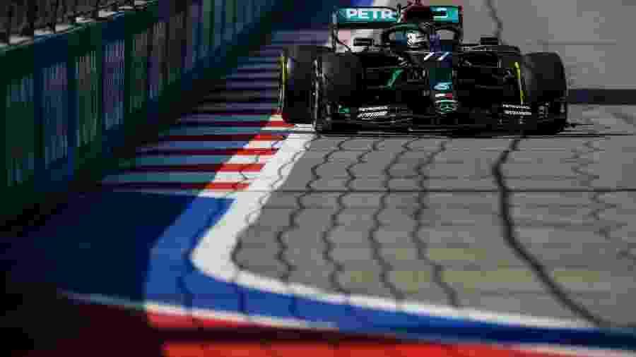 Valtteri Bottas, da Mercedes, nos treinos livres para o GP da Rússia - LAT Images/ Divulgação