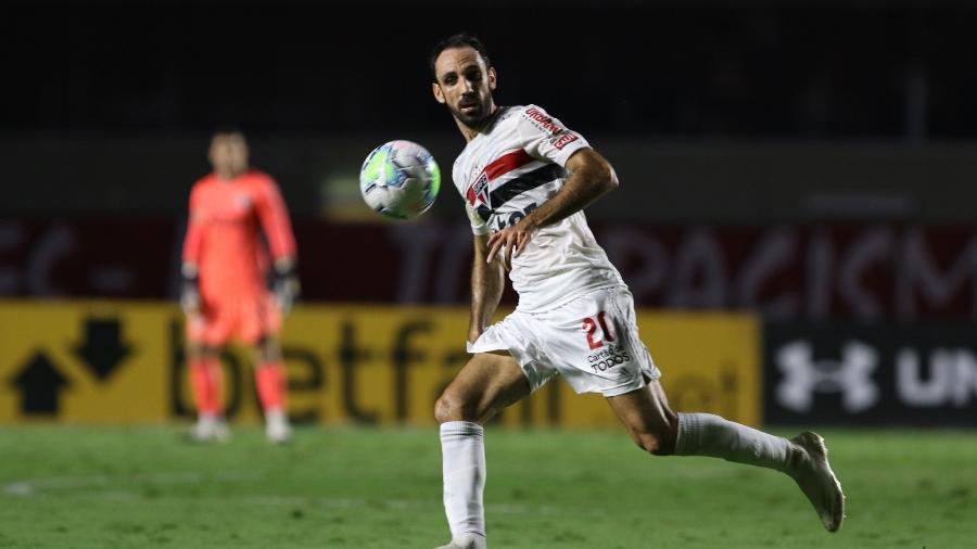 Juanfran deixou o São Paulo e custava R$ 11,5 milhões por ano aos cofres do clube - Rubens Chiri / saopaulofc.net