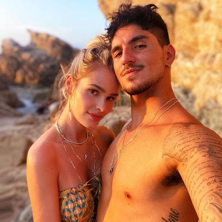 Gabriel Medina e Yasmin Brunet  - Reprodução/Instagram