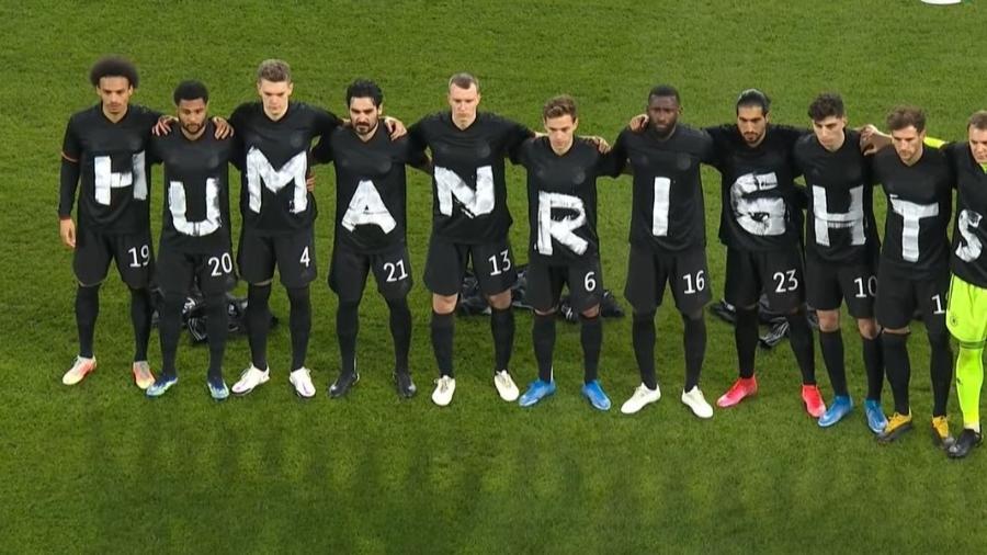 Jogadores da seleção da Alemanha protestam contra as condições dos funcionários que trabalham nas obras da Copa do Mundo de 2022 no Qatar - Reprodução/YouTube