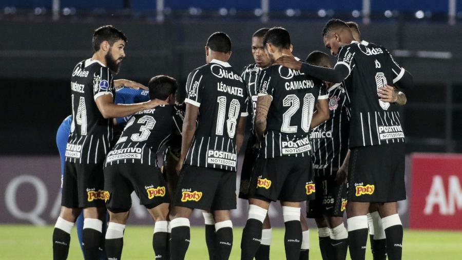 Jogadores do Corinthians antes da estreia na Sul-Americana 2021, contra o River Plate-PAR - Rodrigo Coca/Agência Corinthians