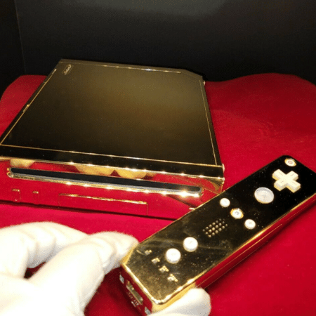 Nintendo Wii revestido de ouro 24 quilates foi colocado à venda no ebay - Reprodução/ebay