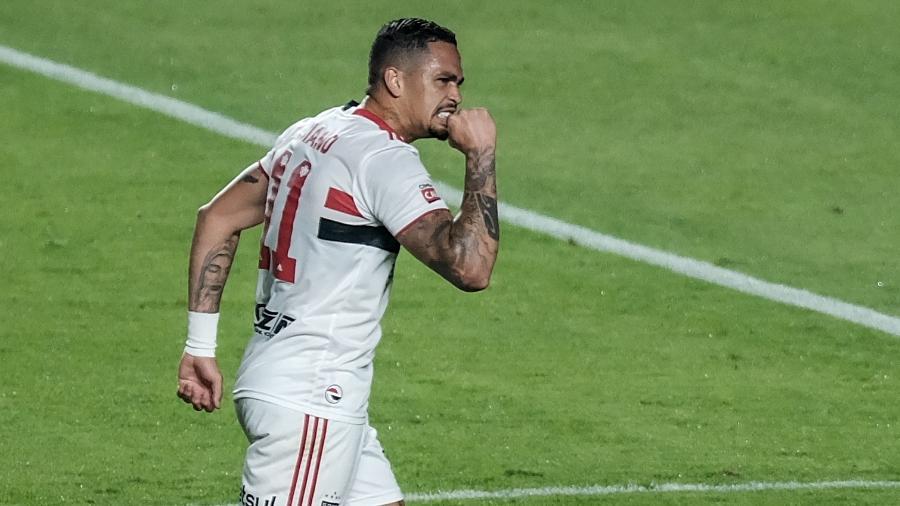 Luciano vibra com gol de empate do São Paulo contra o 4 de Julho na Copa do Brasil - Marcello Zambrana/AGIF