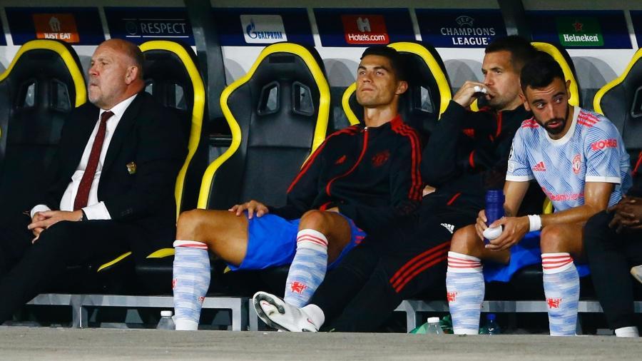 Cristiano Ronaldo terminou a partida do United contra o Young Boys no banco de reservas - Arnd Wiegmann/Reuters