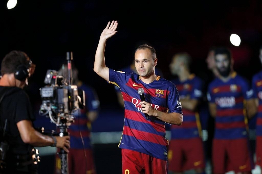 Antes da partida contra a Roma, os jogadores do Barcelona foram apresentados aos torcedores