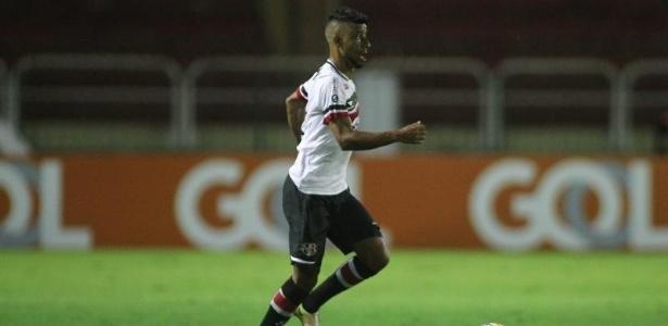 Léo Moura é um dos que terá o contrato encerrado antes da última rodada