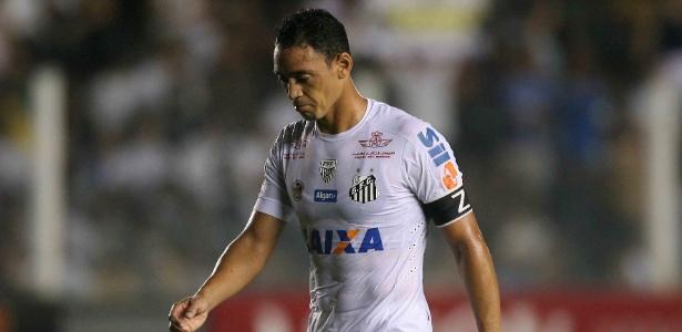 """Ricardo Oliveira """"esquentou"""" o banco de reservas no empate contra o The Strongest"""