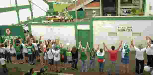 Arena Condá recebeu abraço simbólico antes de Chapecoense x Atlético Nacional - TARLA WOLSKI/FUTURA PRESS/FUTURA PRESS/ESTADÃO CONTEÚDO