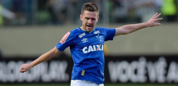 Lateral não convenceu com a camisa do Cruzeiro e não deverá ficar na Toca em 2019 - Washington Alves/Light Press/Cruzeiro