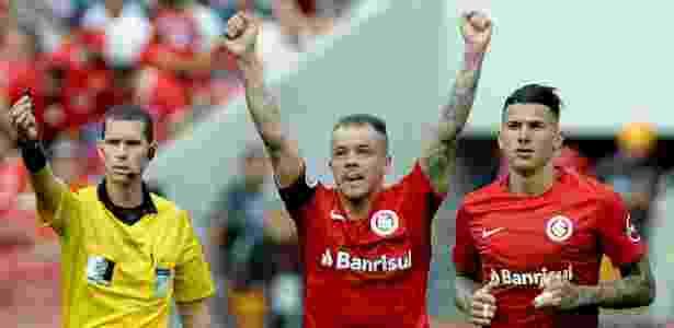 D'Alessandro comemora gol do Internacional conra o Santa Cruz - Ricardo Rimoli/AGIF - Ricardo Rimoli/AGIF
