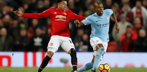 Fernandinho, do Manchester City, supera Lingard, do United