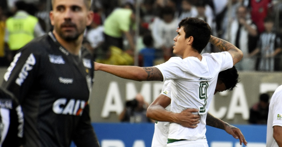 Pedro comemora gol do Fluminense diante do Atlético-MG em jogo no Independência pelo Campeonato Brasileiro 2018