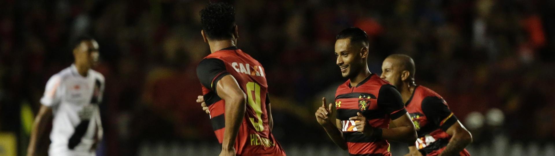 Mateus Gonçalves comemora gol do Sport contra o Vasco