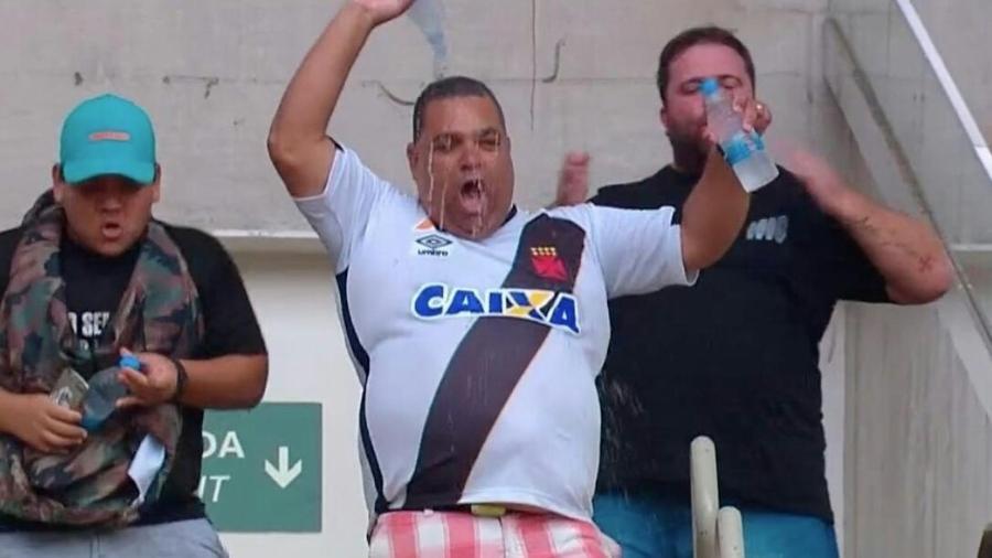 731587af0c7f8 Maracanã  torcedor tem vida de meme após Vasco x Fluminense