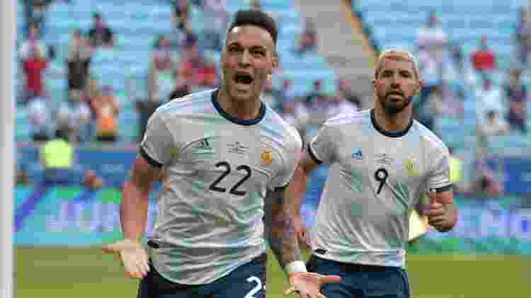 Lautaro Martínez  comemora gol contra o Qatar - Carl de Souza / AFP - Carl de Souza / AFP