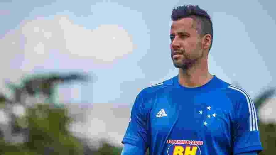 Goleiro Fábio, em treinamento do Cruzeiro na Toca da Raposa - Vinnicius Silva/Cruzeiro