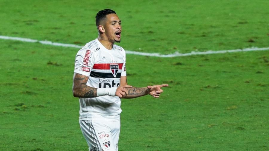Sara ou Luciano? VAR em gol do São Paulo 'quebra' Cleber ...