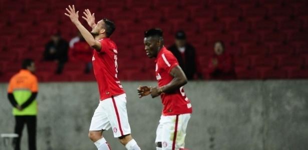 O zagueiro Réver está a caminho do Flamengo por empréstimo de um ano