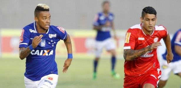 Rafael Silva fez o gol da vitória do Cruzeiro sobre o Tombense